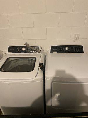 Washer & dryer Frigidaire (lavadora y secadora) for Sale in Haines City, FL