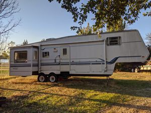 2002 Mobile Scout Fifth wheel for Sale in Henrietta, TX