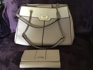 Guess purse with matching wallet for Sale in Sellersville, PA