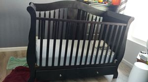 Sleigh Crib & Changing table with extra storage space! for Sale in Mission Viejo, CA