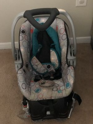 Car seat and base (baby trend) for Sale in Tallahassee, FL