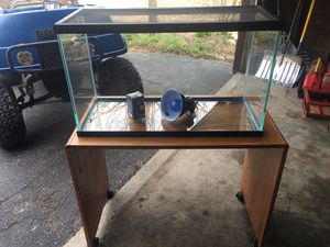 Glass aquarium with screen for Sale in Cleveland, OH