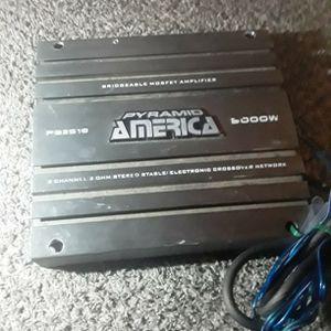 Pyramid America 5000w 2 Chnl Amplifier for Sale in Wichita, KS