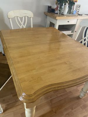 Kitchen table for Sale in Carson, CA