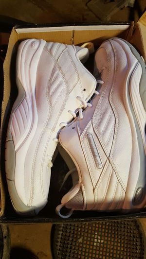 Size 10 reebok for Sale in Hyattsville, MD