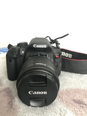 Canon t5i for Sale in Hesperia, CA