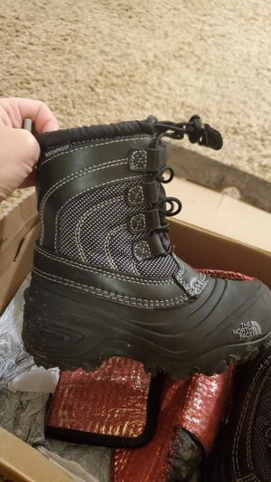 Kids nort face snow boots size 10 for Sale in Portland, OR