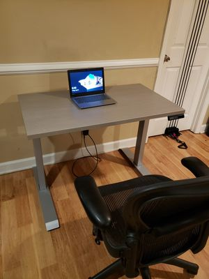 Desk adjustable height for Sale in Cary, NC