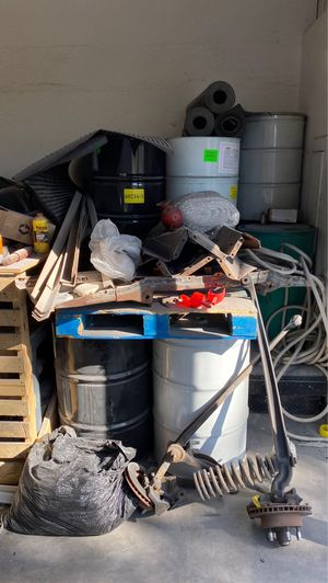 55 gallon drums and one plastic drum $10 a piece for Sale in Chandler, AZ