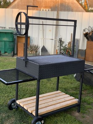 Heavy duty bbq grill 🔥🔥🔥 for Sale in Visalia, CA
