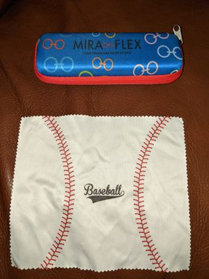 MIRAFLEX KIDS Zippered Glasses Case, Good Used Condition. for Sale in Mercer Island, WA