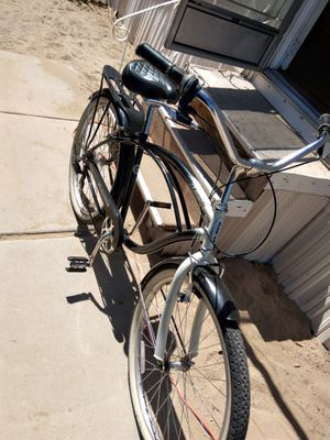 Men's sixthreezero Around The Block 26-Inch Cruiser Bike with Rear Rack for Sale in Albuquerque, NM
