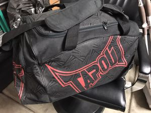 Tap out duffle bag for Sale in Fullerton, CA