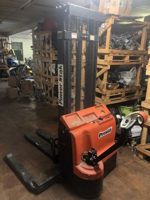 Presto power stak fs2200 forklift 24v electric fork lift ** works great ** for Sale in Fort Worth, TX