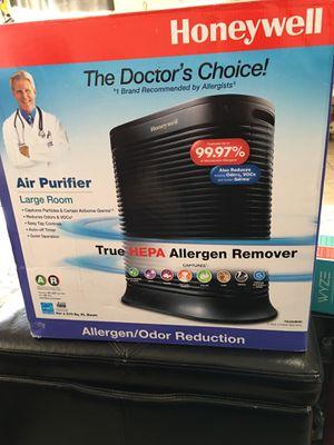 Honeywell True HEPA 310 sq. ft. Allergen Remover Air Purifier for Sale in Menifee, CA