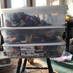 3 Tubs Full Of Legos for Sale in Morton,  IL