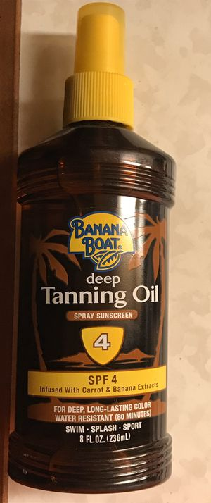 Banana Boat Deep Tanning Oil Spray Sunscreen SPF4 8 fl oz for Sale in Arlington, VA
