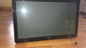 40 inch Panasonic tv no remote for Sale in Houston, TX