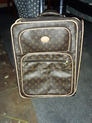 louis Vuitton luggage bag for Sale in Penn Hills, PA