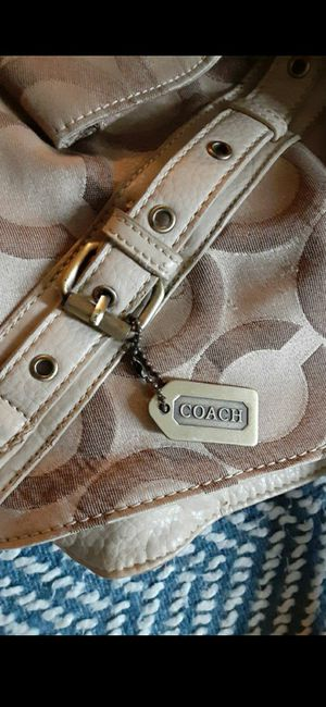 Coach hand bag for Sale in Auburn, WA