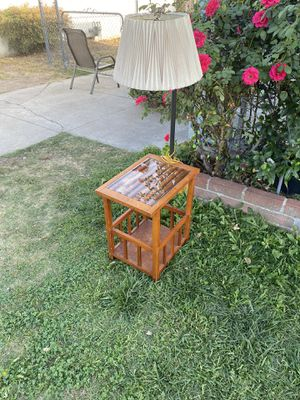 Table with lamp vintage works great!!! $25 for Sale in San Bernardino, CA
