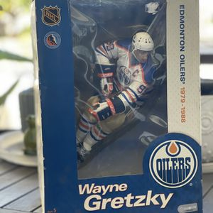 McFarlane Toys NHL Edmonton Oilers Sports Picks Deluxe Wayne Gretzky Action Figure for Sale in West Covina, CA