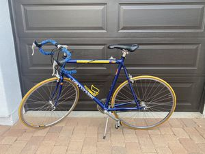 MADE IN USA 🇺🇸 HANDMADE CANNONDALE ROAD BIKE for Sale in Waddell, AZ