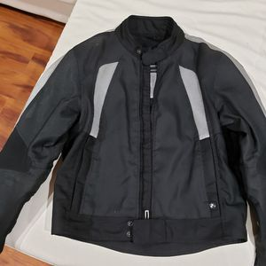 Jacket Motorcycle BMW with pads (New) for Sale in Miami, FL