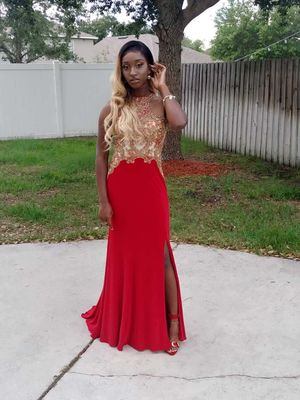 Prom dress with a slit for Sale in Orlando, FL
