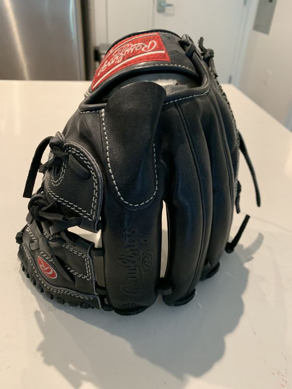 Rawlings glove. Pitchers and infield