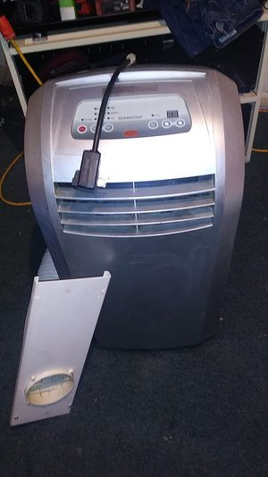 Window AC great condition cold and hot for Sale in Houston, TX