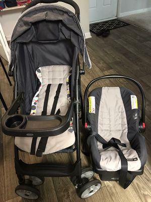 Graco car seat stroller for Sale in Atlanta, GA