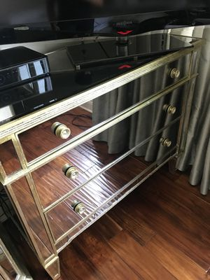 Mirrored dresser for Sale in Los Angeles, CA