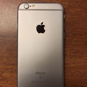 iPhone 6s Unlocked (Good Condition) Comes w/ New Charger for Sale in Coraopolis, PA