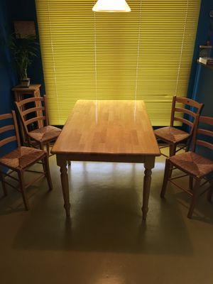 Dining Room Table & Chairs for Sale in Portland, OR