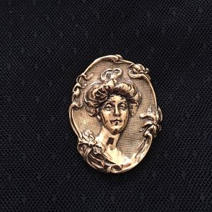 Gold Metal Cameo Pin! for Sale in Chester, MD