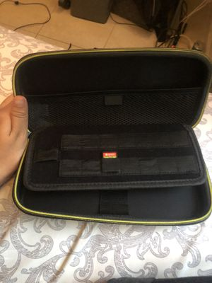 Nintendo switch carrying case & Mine Craft for Sale in Miami, FL
