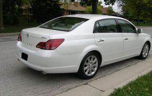 Great 2010 Toyota Avalon 4WDWheels Clean for Sale in Scottsdale, AZ