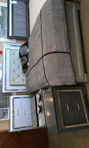 Allura Silver LED Panel Bedroom Set for Sale in Adelphi, MD