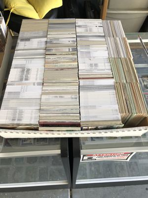 3200 card box of assorted NFL football cards early 80s-present. Loaded with stars. Come take a look if you want before you buy. for Sale in Fresno, CA