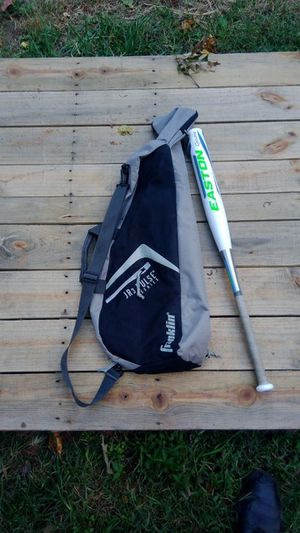 Baseball bat with carry bag for Sale in High Point, NC