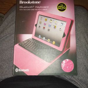 Brookstone Bluetooth Keyboard (Pink) for Sale in East Chicago, IN