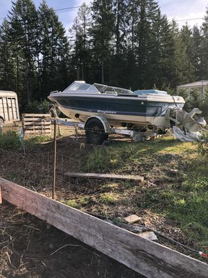 Bayliner boat and trailer clean title for Sale in Kent, WA