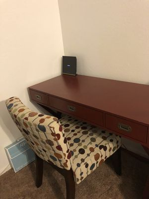 Awesome desk and chair for Sale in Peoria, AZ