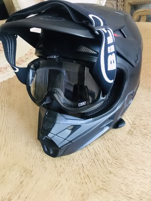 Fox helmet mint condition with glasses M size for Sale in Fresno, CA