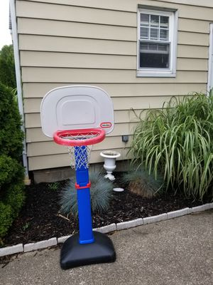 Basketball hoop for Sale in Cuyahoga Falls, OH