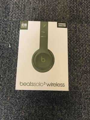 Beats by dr Dre wireless headphones Green for Sale in Ocoee, FL