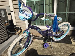 """Girl's bike 20"""" for Sale in Collegeville, PA"""