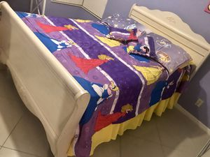Doble sided cover bedding set ( full ) for Sale in Pompano Beach, FL