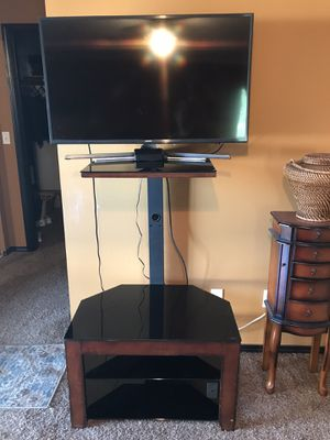 TV SHELF FOR FREE, not TV for Sale in Montesano, WA